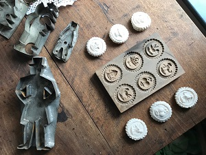 cookie cutters and springerle mold