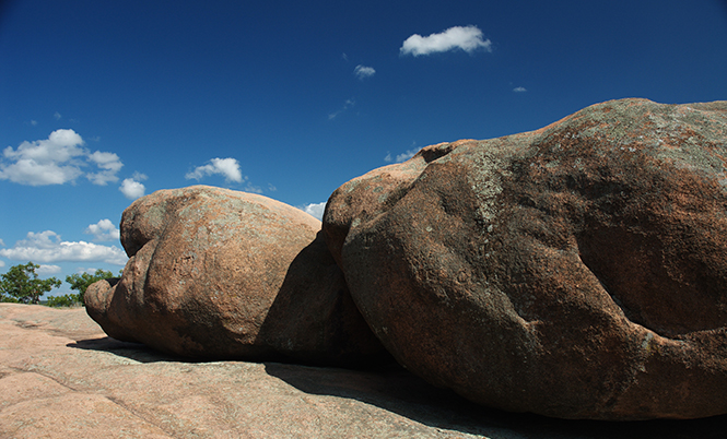 large boulders at Elephant Rocks State Park