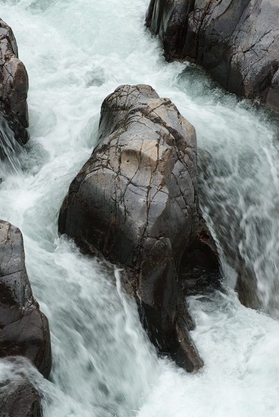 water flowing over rocks at Johnson's Shut-Ins State Park