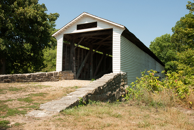 entrance to Union Covered Bridge