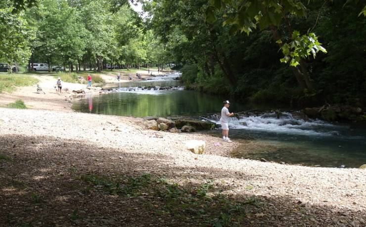 Roaring river state park missouri state parks for Roaring river fishing